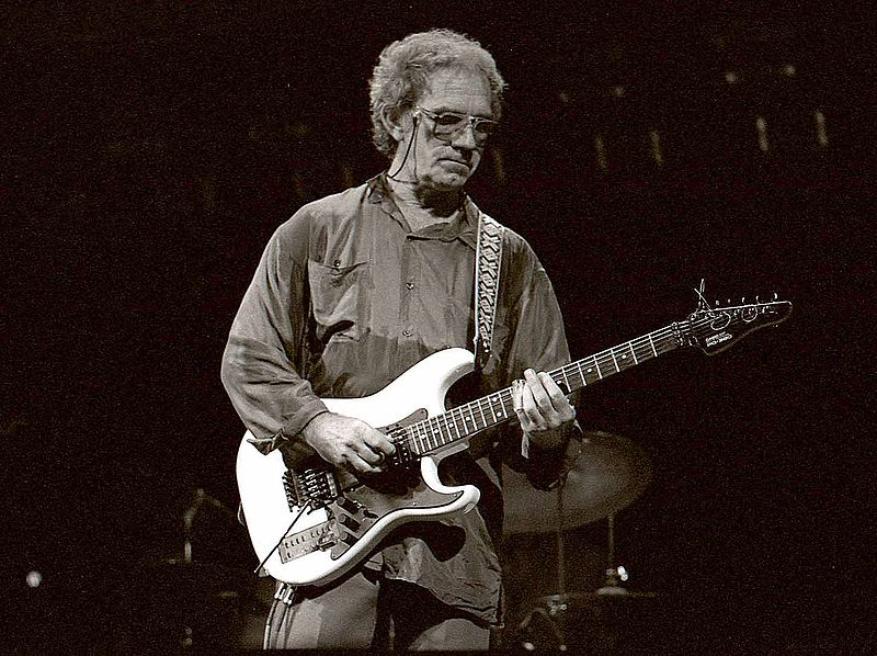 JJ Cale on stage, photo by Louis Ramirez